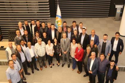 Mezitli Belediye Başkanı Neşet Tarhan, muhtarlarla bir araya geldi