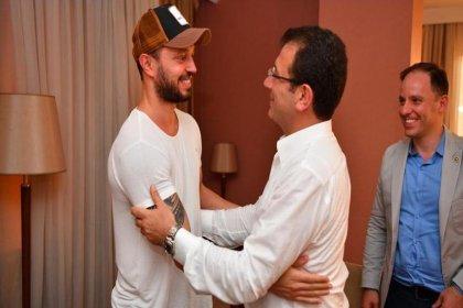 Murat Boz seçim kampanyasına destek verdiği Ekrem İmamoğlu ile buluştu
