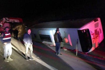 Osmaniye'de yolcu otobüsü devrildi: 25 yaralı
