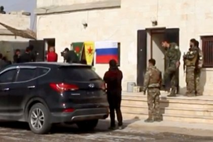 'Rus ordusu Menbiç'te YPG ile ortak devriye atıyor'