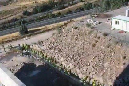 Şehir hastanesi inşaatında çalışan işçiler iş bıraktı