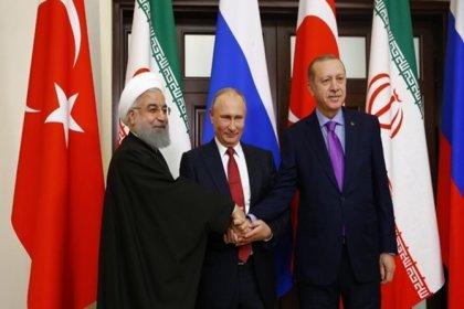 Erdoğan, Putin ve Ruhani 3'lü zirve için Soçi'de