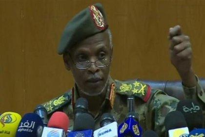 Sudan'da Askeri Geçiş Konseyi'nin başkanı istifa etti