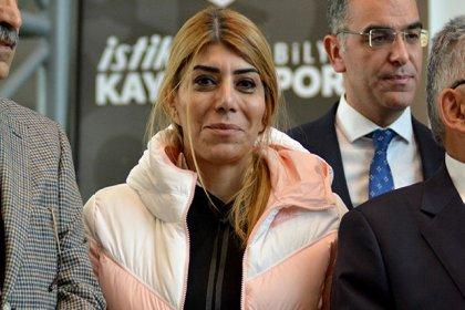 Süper Lig tarihinde bir ilk: Kayserispor'da başkanlığa Berna Gözbaşı seçildi