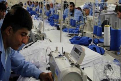 Suriyelilerden alınan çalışma izni harcı 800 liradan 283 liraya düşürüldü
