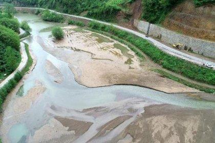 Tabiat parkı olan Sera Gölü, HES ve kirlilik yüzünden bataklığa döndü