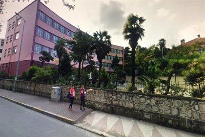 Tarihi okul, şehir hastanesinin otoparkı için yıkılmak isteniyor
