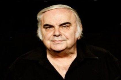 Tiyatrocu Enis Fosforoğlu hayatını kaybetti