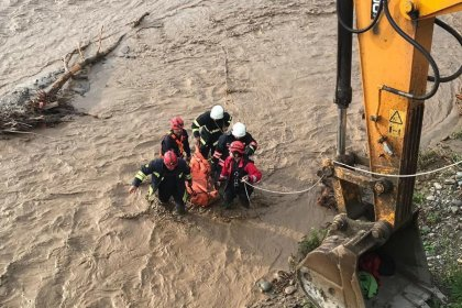 Trabzon Araklı'da taşkın: 6 ölü, 4 kayıp, 3 yaralı