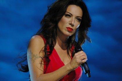 TRT, 'Her şey çok güzel olacak' paylaşımı yapan Sibel Tüzün'ün programını iptal etti