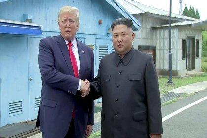 Trump, Kuzey Kore'ye ayak basan ilk ABD başkanı oldu