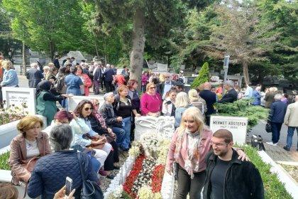 Türkan Saylan ölümünün 10. yılında mezarı başında anıldı