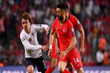 Türkiye-Fransa maçı 21.45'te... Maç İstanbul'daki tüm kent ekranlarından canlı yayınlanacak