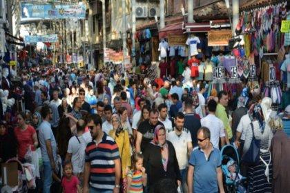 Türkiye'de ikamet izni bulunan yabancı sayısı 938 bin 482'ye çıktı