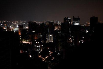 Venezuela'nın büyük bir bölümü yine karanlıkta