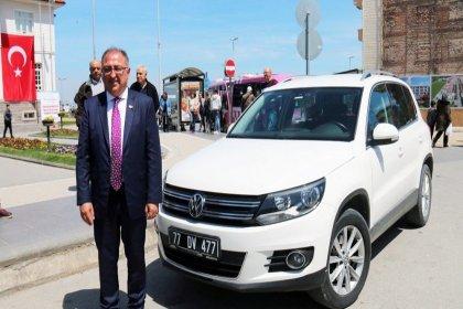 Yalova Belediye Başkanı Salman, makam aracını iade etti