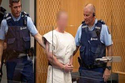 Yeni Zelanda saldırganı hakim karşısına çıktı