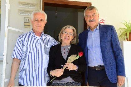Zeydan Karalar'dan, Anneler Günü'nde huzurevine ziyaret
