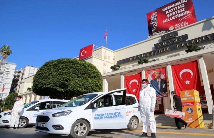 Adana'da Covid-19 hastaları belediyenin tahsis ettiği araçlarla hastaneye gidecek