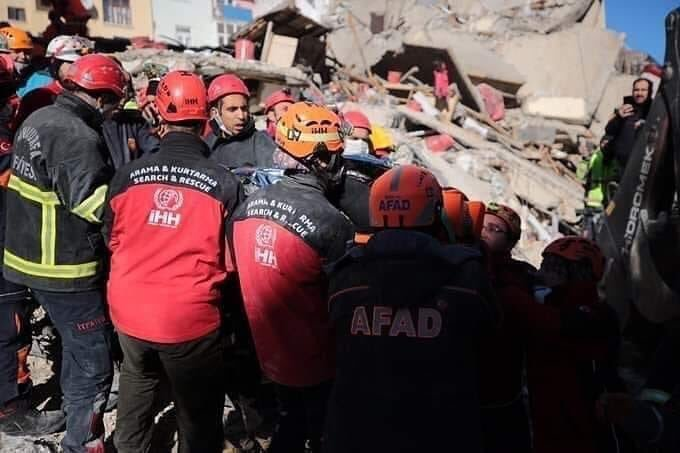 AFAD'dan Elazığ depremi son açıklama; 45 kişi kurtarıldı, ölü sayısı 31, yaralı sayısı 1556