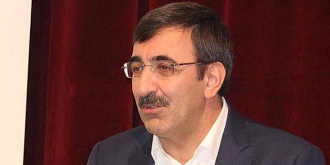 AKP Genel Başkan Yardımcısı Cevdet Yılmaz koronavirüse yakalandı