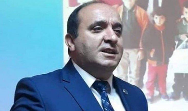 AKP'li belediye başkanı yurttaşa bıçak çekti!