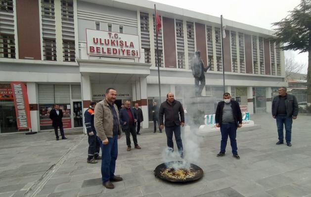 AKP'li belediyeden koronavirüse karşı tütsülü önlem!