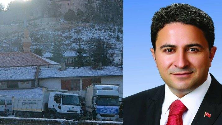 AKP'li eski belediye başkanı müdür oldu