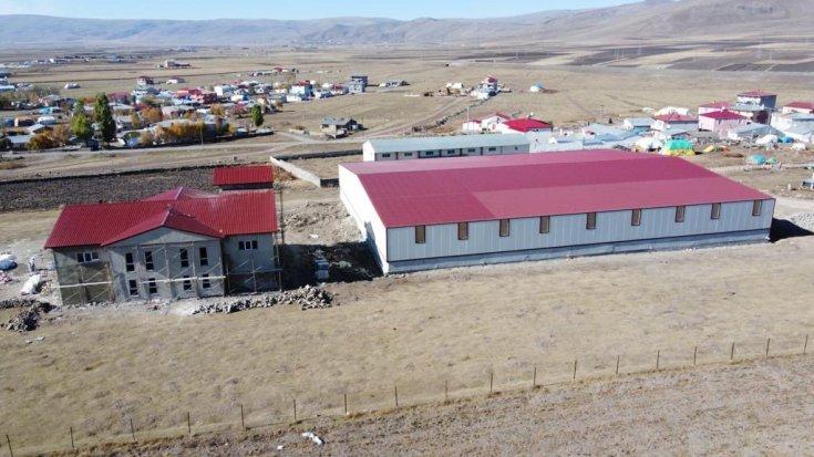 Ardahan'da 300 kişinin istihdam edileceği tekstil atölyesinin yapımında sona gelindi