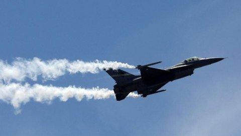 Azerbaycan Ermenistan'a ait savaş uçağını düşürdü