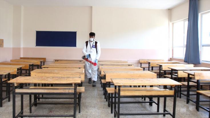 Bilim Kurulu üyesinden dikkat çeken açıklama: Vakalar böyle giderse okulların açılmasında sorun yaşayabiliriz