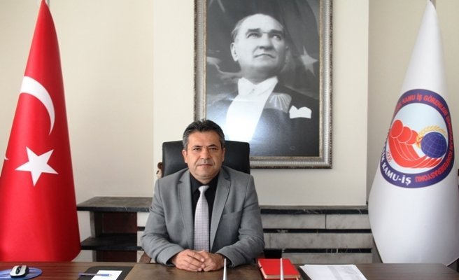 Birleşik Kamu-İş Konfederasyonu Genel Başkanı Mehmet Balık; 'AKP iktidarı ekonomik krizi büyütmeye ülkeyi batırmaya devem etmektedir'