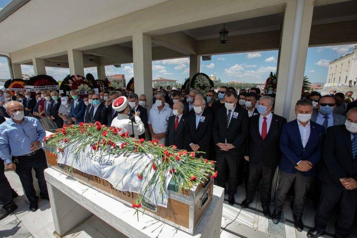 Çankaya eski belediye başkanı Doğan Taşdelen son yolcuğuna uğurlandı