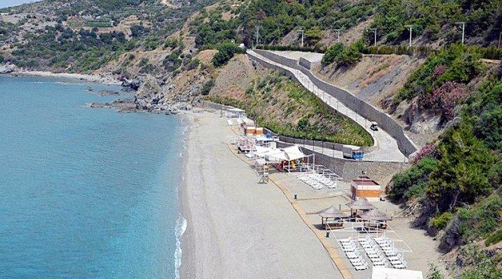 Çevre ve Şehircilik Bakanlığı, çok sayıda sahili bakanlık bürokratlarının yer aldığı şirkete ihalesiz kiralamış