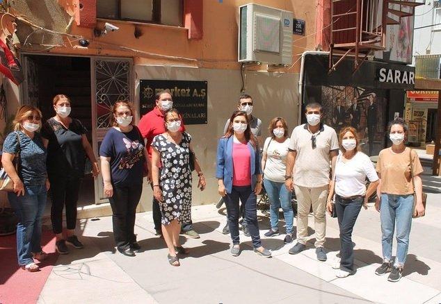 CHP Aliağa İlçe Örgütü, köylere erzak ve ramazan kolisi dağıttı