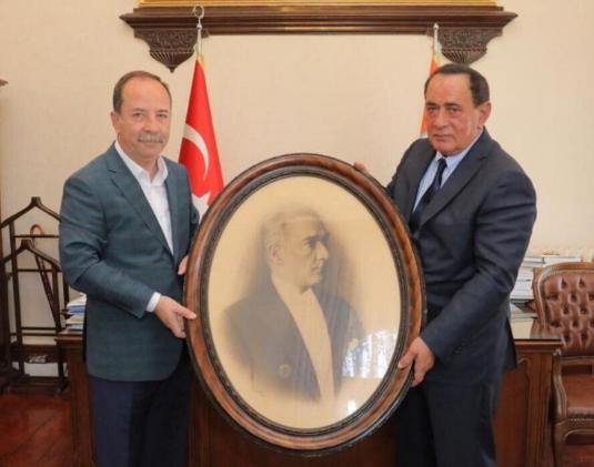CHP, Çakıcı'yı makamında ağırlayan Edirne Belediye Başkanı Recep Gürkan hakkında inceleme başlattı