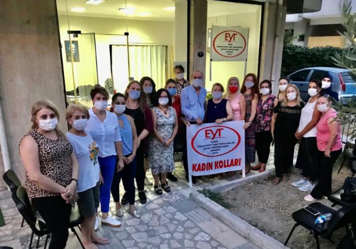 CHP İzmir ve Bayraklı Kadın Kolları yönetimlerinden İzmir EYT Derneği Kadın Kolları yönetimine ziyaret