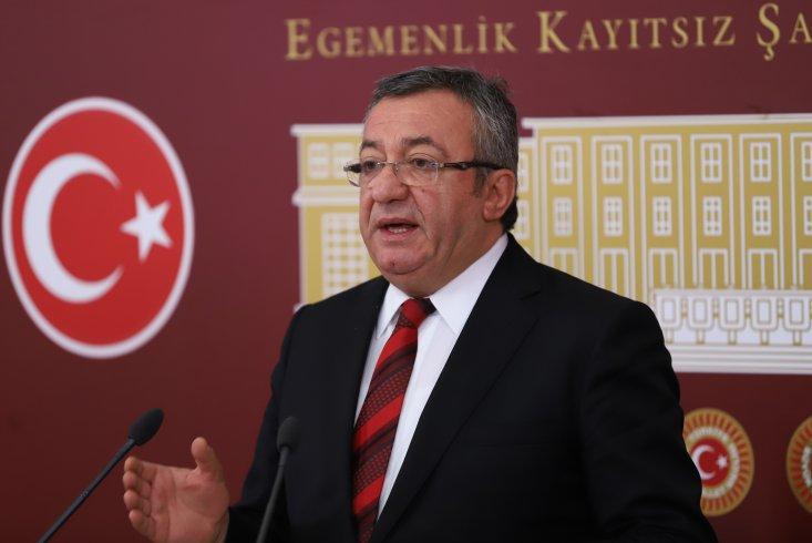 CHP'li Altay: Cumhurbaşkanı korona sürecinde parti rozetini kafasından çıkarmalı