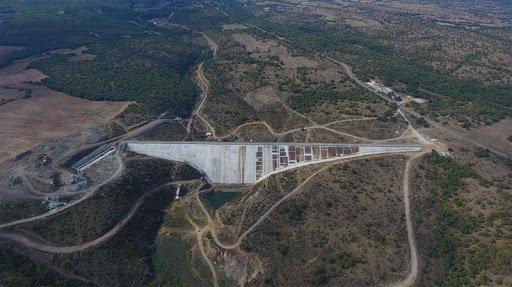 CHP'li belediye sınırları içinde bulunan  Çayırdere Sulama Barajı, AKP'li belediyeye devrediliyor
