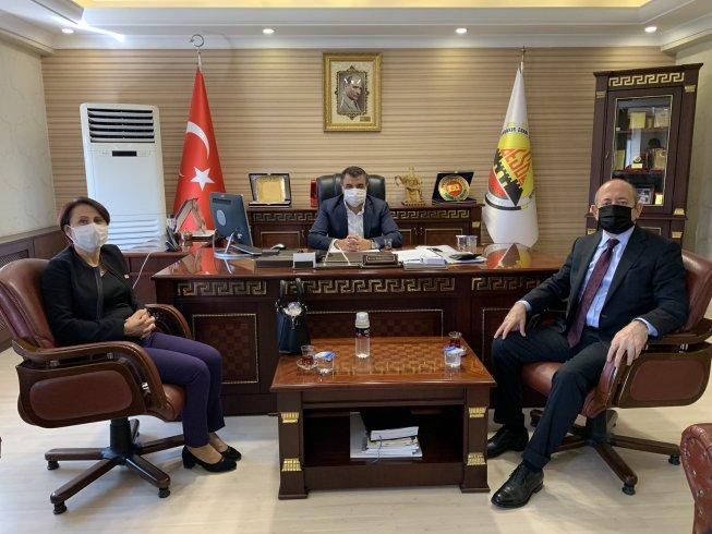 CHP'li Hamzaçebi'den Diyarbakır'da esnaf odası, muhtar ziyareti sonrası vatandaşlarla buluştu sorunlarını dinledi