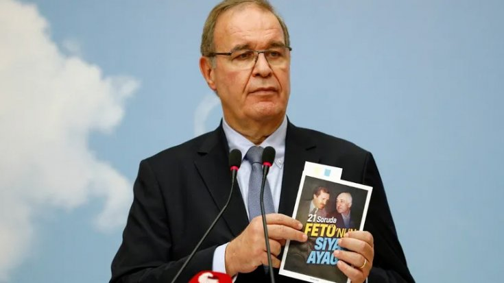 CHP'nin 'FETÖ'nün siyasi ayağı' kitapçığına toplatma kararı
