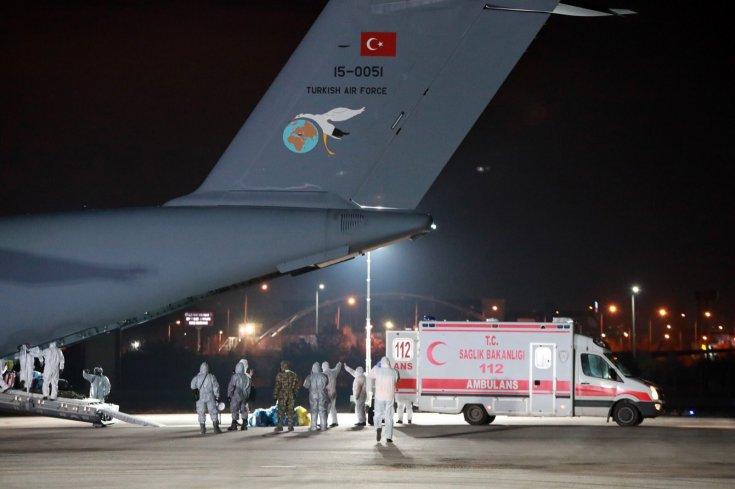 Çin'den tahliye edilen 42 kişi Ankara'da: 14 gün gözlem altında tutulacaklar