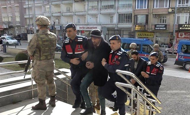 Çorum'da, IŞİD şüphelisi 4 Iraklı adliyede