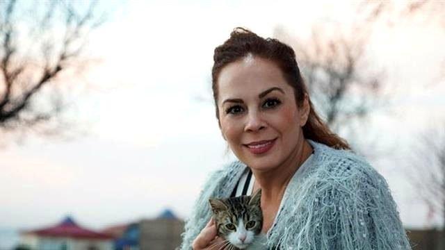 Şarkıcı Demet Sağıroğlu koronavirüsü yendi