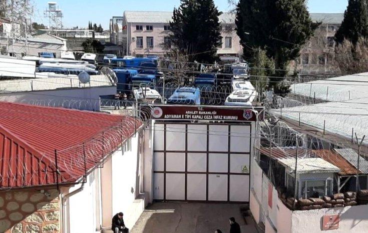 Elazığ'daki depremde hasar gören Adıyaman Cezaevi'ndeki mahkumlar Gaziantep, Şanlıurfa ve Kahramanmaraş'a nakledilecek