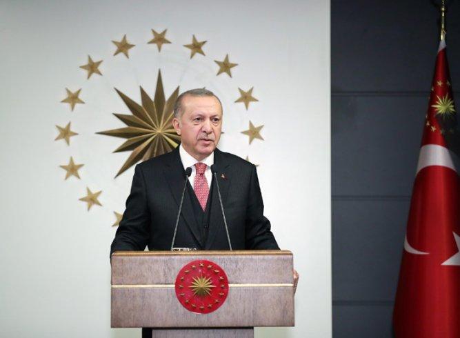 Erdoğan; Milli Dayanışma Kampanyasını 7 aylık maaşını bağışlayarak başlattı