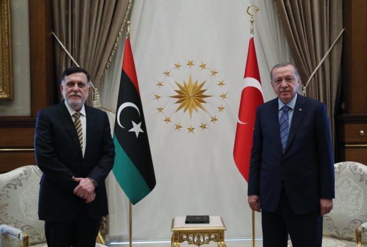 Erdoğan ve Sarrac Beştepe'de bir araya geldi