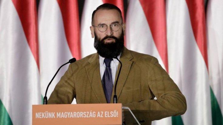 Eşcinsellik karşıtı Macar parlamenter, eşcinsel seks partisinde yakalandıktan sonra istifa etti