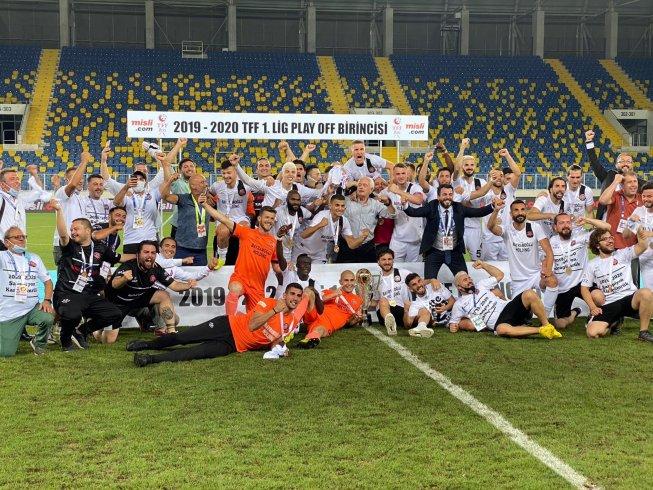 Fatih Karagümrük Süper Lig'e yükseldi