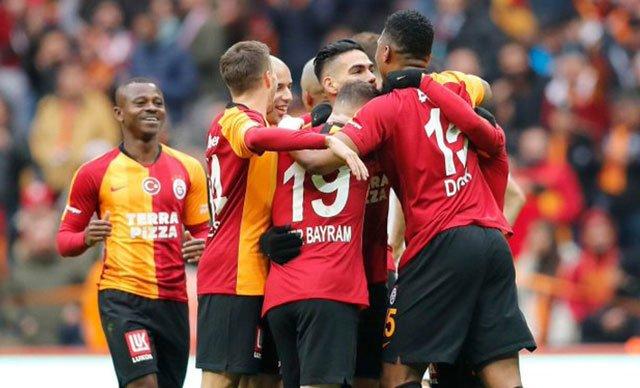 Galatasaray, Yukatel Denizlispor'u 2-1 yendi